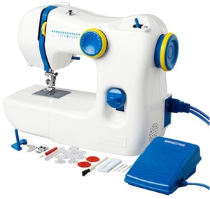 180 best images about sewing machines on pinterest seasonally scattered the machine and toys. Black Bedroom Furniture Sets. Home Design Ideas