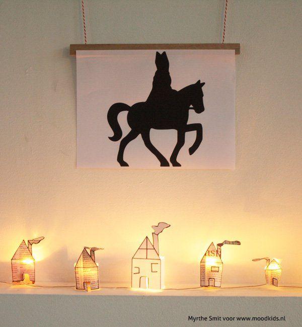 Maak je huis gezellig met deze lichthuisjes van krantenpapier. # sinterklaas #decembertijd www.moodkids.nl/sinterklaas