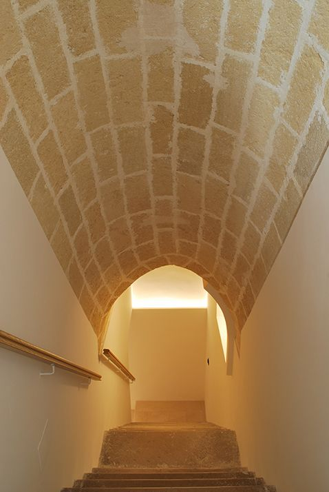 Architecture. mediterranean house renovation. A project by OfficineMultiplo. #scala #staircase #pietra #stone