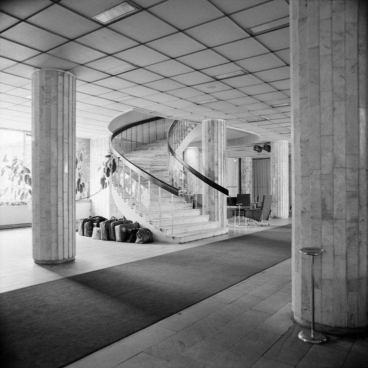 Kraków - hol główny hotelu Cracovia, fot. Henryk Hermanowicz (1968)