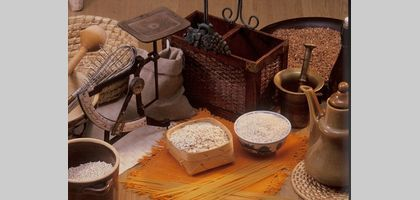 The stages of milling determine the difference between semolina and durum flour.
