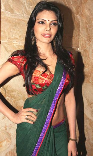 Playboy girl Sherlyn Chopra and her saree avatar!
