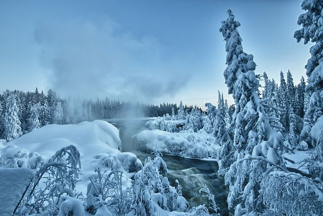 Pisew Falls, Manitoba. Photo by Bun Thoeun Pein.