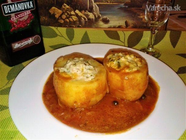 Dusené plnené zemiaky s paradajkovou šťavou (fotorecept) - Recept