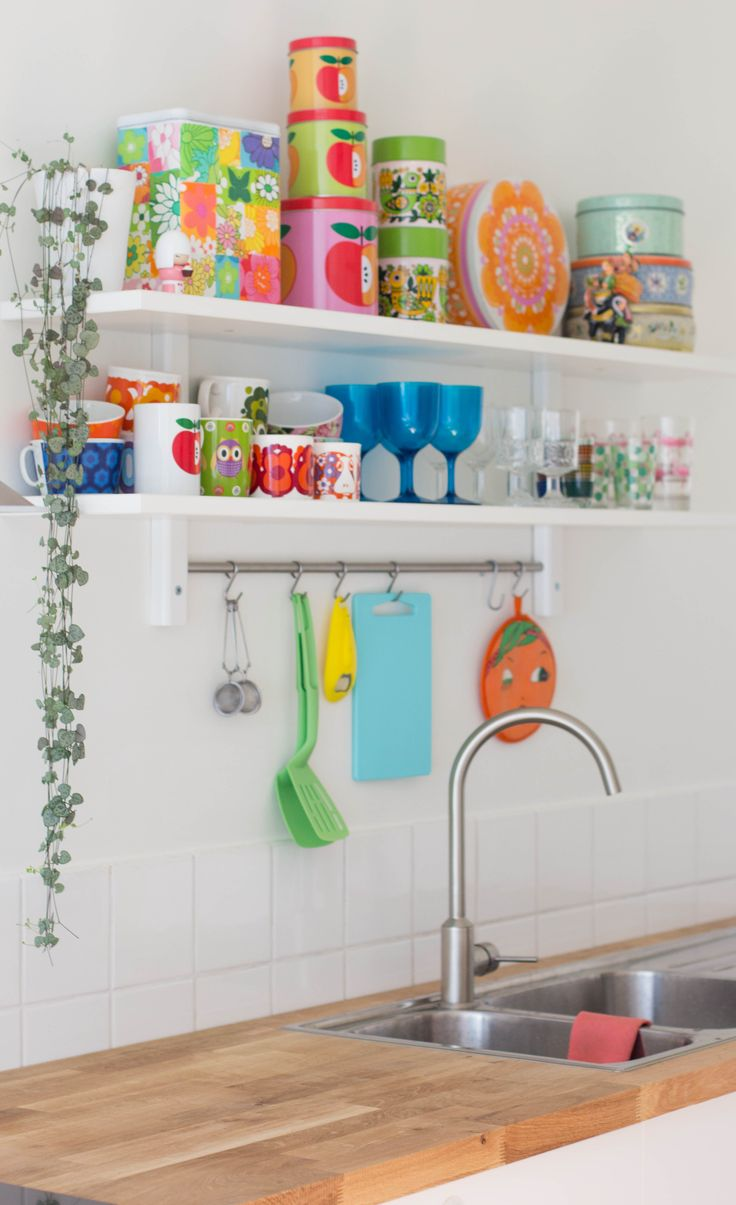 Love this - that is exactly what I want on my new high level kitchen shelf - retro colourful but useful stuff