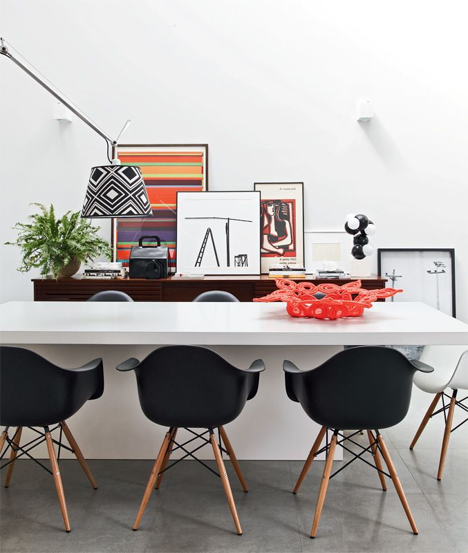 25 best ideas about black eames chair on pinterest for Table vibrante