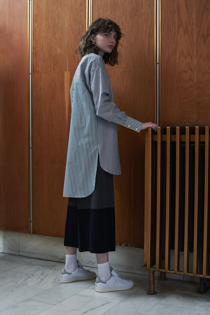 ODESSA - oversized shirt, charcoal striped/emerald details with SZEGED - knitted culottes in black/pigeon