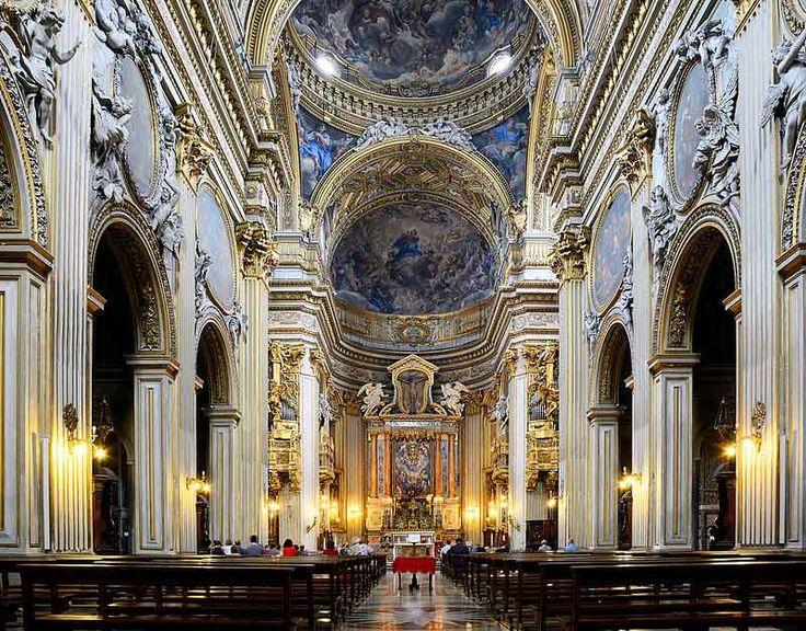 Интерьер церкви Санта Мария ин Валичелла