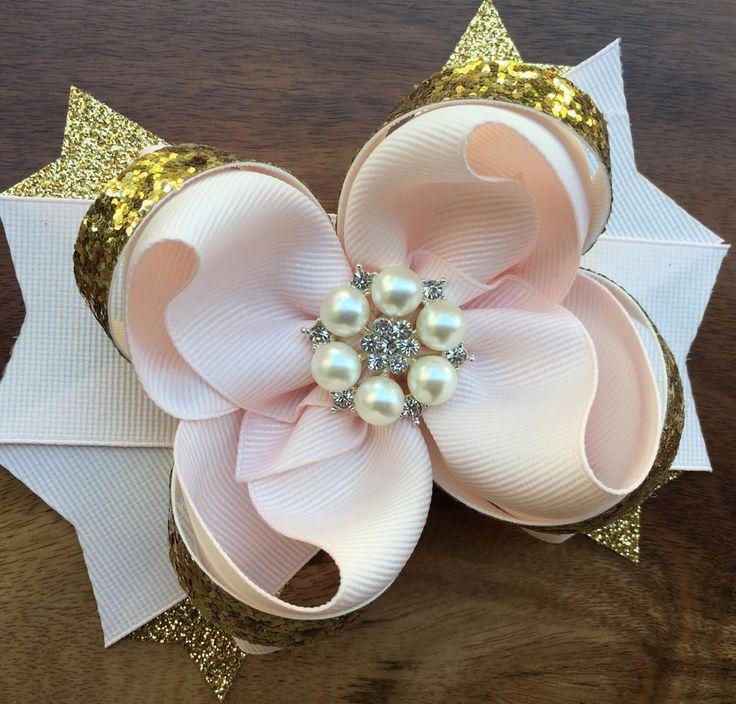 Blush and gold hair bow, blush and gold bow, blush and gold holiday hair bow, blush and gold christmas bow, blush and gold dress, blush bow by ModernMeCollection on Etsy https://www.etsy.com/listing/493999701/blush-and-gold-hair-bow-blush-and-gold