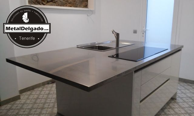 Mueble encimera de isla de cocina materializada en chapa for Mueble isla de cocina