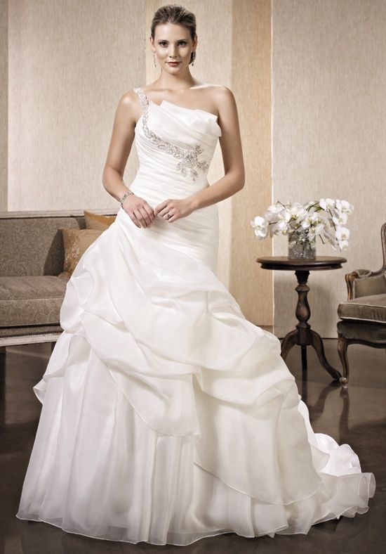 Kenneth Winston: Premiere LV96 Wedding Dress - The Knot