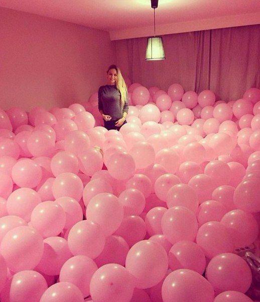Крутая комната заполнена воздушными шариками. Лучший подарок для любимой.  http://shar-a.com.ua/vozdywnue-wariki-dlja-ljubimux.html  #воздушныешарики #шарикилюбимым #подарокклассный #комнатавшарах #позитив #настроениесупер #shar-a