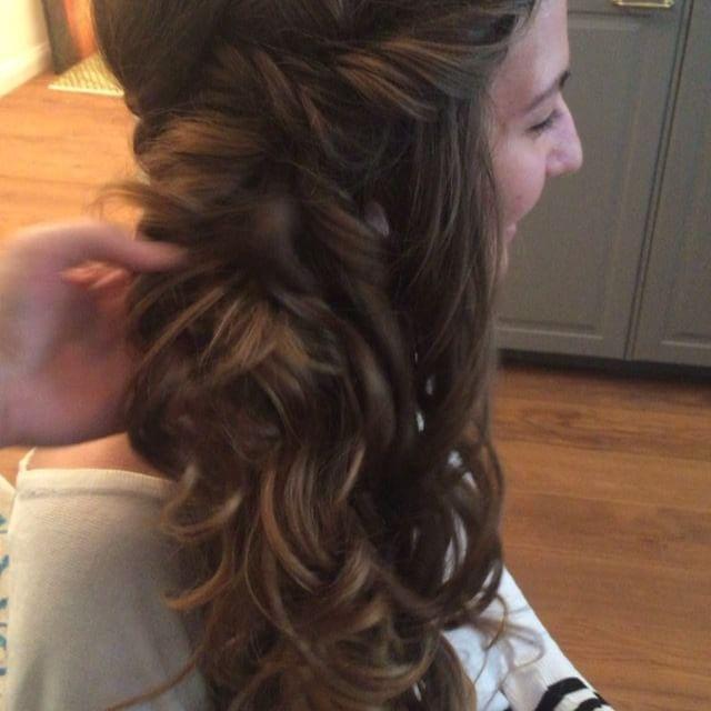 Diese Haare  #hochzeitsinspiration #brautstyling #brautfrisur #photoshoot #fotoshoot #bts #brautmakeup #sideswept #curls #locken #wellen #longhair #langehaare #bridalstyling #bridalmakeup #visagistin #brautberlin #bridalhairstyle #muaberlin #makeupartist #mua #hairstylist #berlin #potsdam