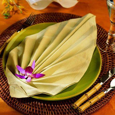 Napkin folded like leaf