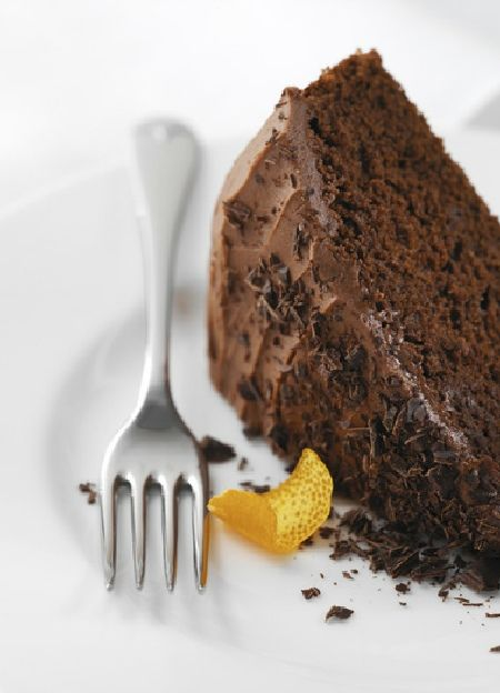 Low FODMAP & Gluten free Recipe - Chocolate orange cake http://www.ibssano.com/low_fodmap_recipe_chocolate_orange_cake.html
