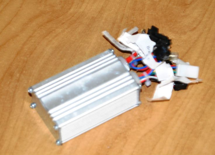 centralina per motore senza spazzole w250 v 36 x litio o piombo e spine segnate