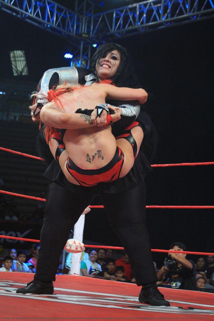 mexican-women-wrestling