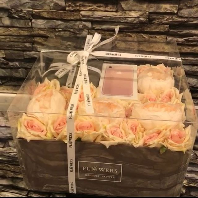 Pin By Shams Mohamed On Creative Bouquet Box Gift Decorations Gifts