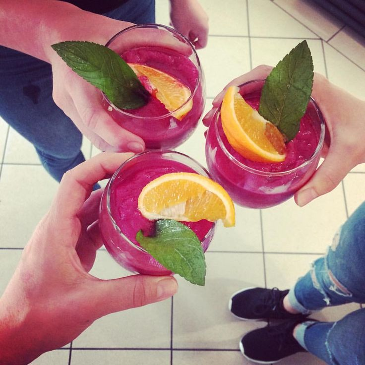 """18 kedvelés, 1 hozzászólás – Garázs Kávézó - café & bar (@garazskavezo) Instagram-hozzászólása: """"#beetroot #smoothie #beetrootsmoothie #pink #red #pinksmoothie #redsmoothie #drink #healthy…"""""""