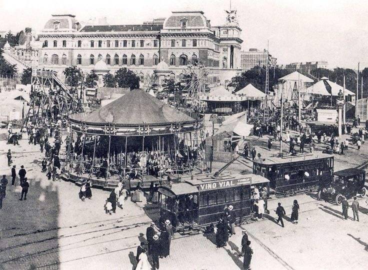 Ésta es la bella estampa que en algún momento de 1920 ofreció al visitante la Glorieta de Atocha.