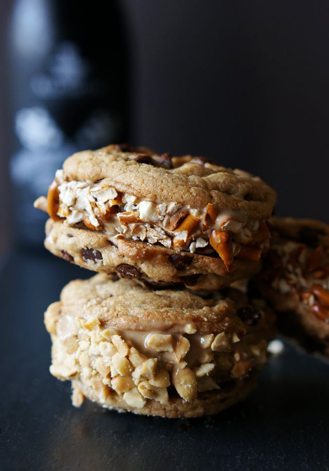 Beer Ice Cream Chocolate Chip Sandwiches // HonestlyYUM