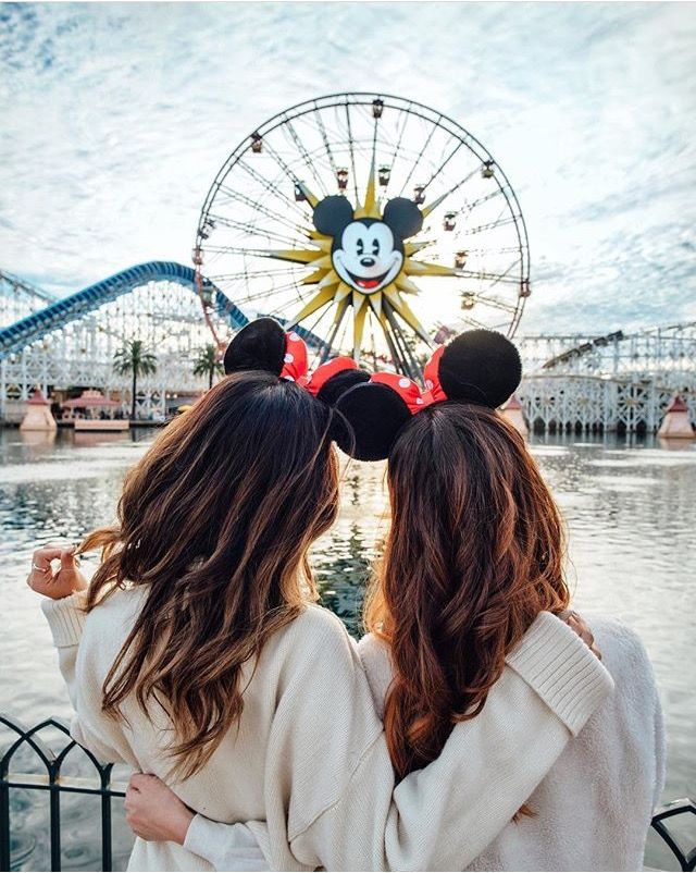 Best friend Disneyland photoshoot ideas! | Disney Girl ...