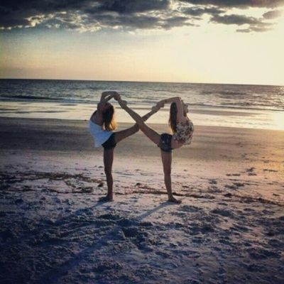 Art infinity with your best friends cute picture idea dance
