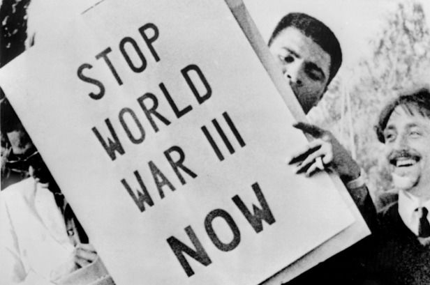 Junio 20 en la historia: Muhammad Ali convicted in Vietnam War-era draft case; Lizzie Borden found innocent of a grisly double murder; Britain's Queen Victoria begins rule; Race-related rioting hits Detroit; 'Jaws' premieres. - http://bambinoides.com/junio-20-en-la-historia-muhammad-ali-convicted-in-vietnam-war-era-draft-case-lizzie-borden-found-innocent-of-a-grisly-double-murder-britains-queen-victoria-begins-rule-race-related-rioting-hits/