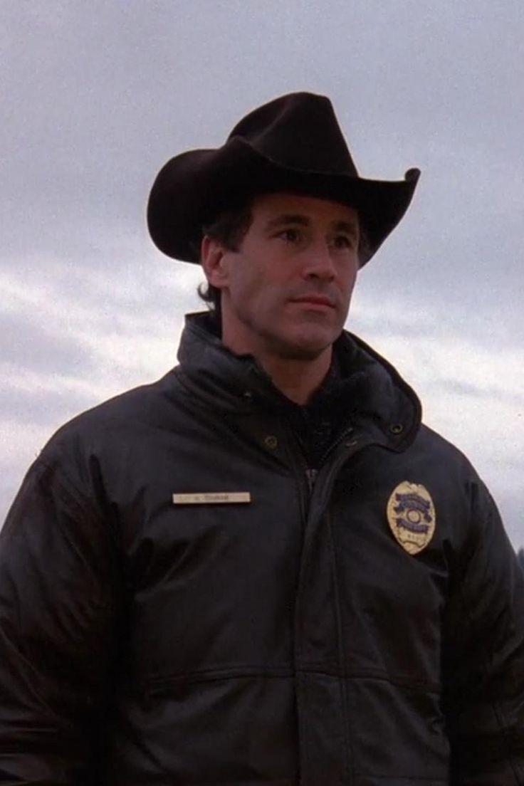 Michael Ontkean - Sheriff Harry Truman