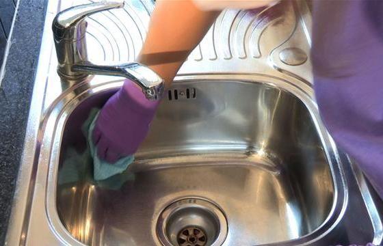 Come pulire l'acciaio inox in modo efficace ed ecologico
