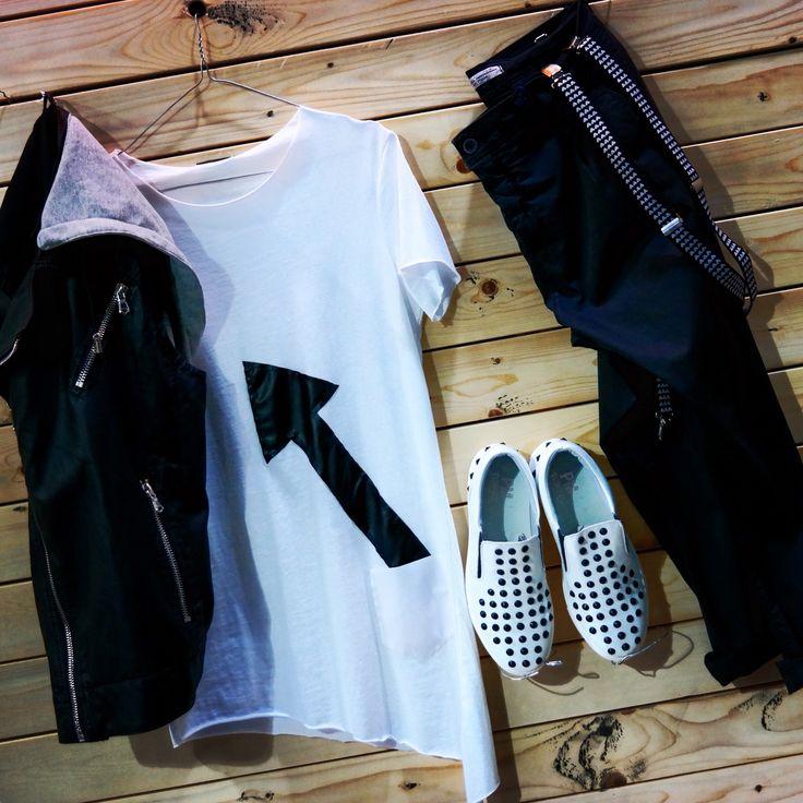 You Don't Need Brands  You Need Style !  Tshirt.                     29€ Μπουφαν αμάνικο   75€ Παντελονι.        .     59€ Τιράντες.                10€ Παπουτσια.            109€  #menfashion #denim #boutique #nightlife #luciocosta #italyfashion #nightpeople #streetfashion #menswear #clothing #outfit #urban #street #fashion #swag #black #newarrivals #spring #summer #looking #greece