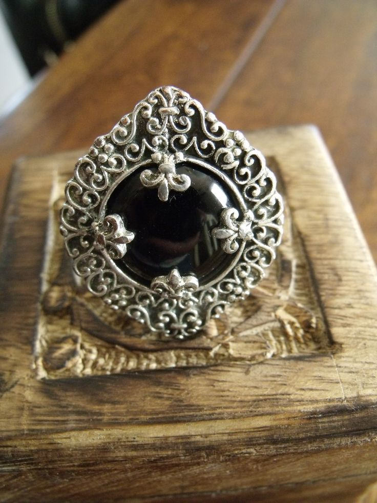 FALA Vintage ring