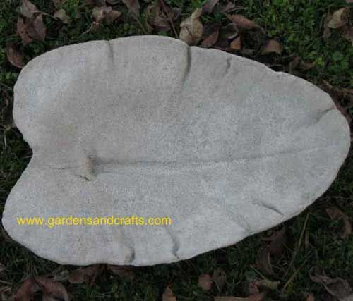 Money saving ideal casting a leaf for garden art that will attract birds and butterflies.  Step by step directions, can't wait to try this one!