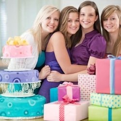 Are you looking for a birthday gift for a hard to shop for tween or teen girl? All of these top birthday gifts for teen girls of 2012 were hand...