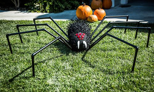 #HomeandFamily - Tips & Products - @Tanya_Memme's DIY Giant #Halloween Lawn Spider | Hallmark Channel