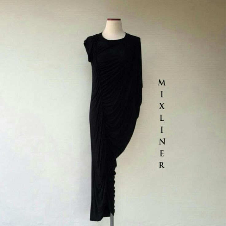 Black long dress - soft cotton   +6287888778720 (WhatsApp)  BBM 7E6B0456                                         IG : mixliner  #girl #ladies #fashion #prelovedfashion #preloved #jakartafashion