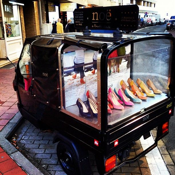 window displays on wheels, pinned by Ton van der Veer