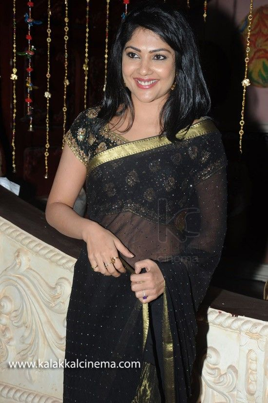 #KamalineeMukherjee Special Gallery - http://www.kalakkalcinema.com/tamil_events_list.php?id=7296&title=Kamalinee_Mukherjee_Special_Gallery