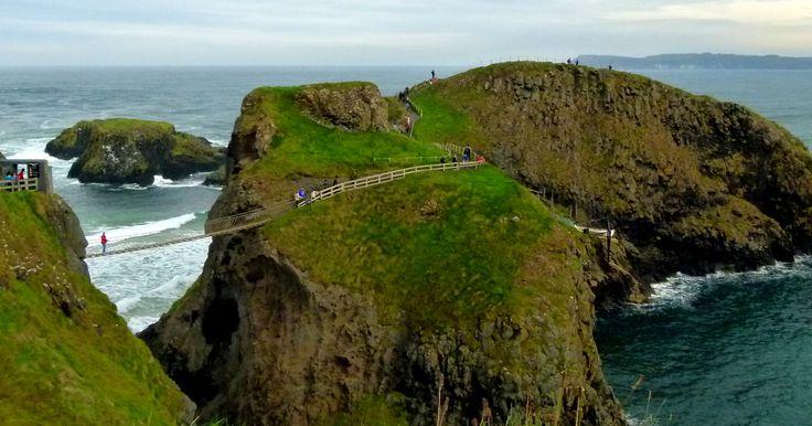 Carrick-a-Rede, Causeway coastal route, North Ireland