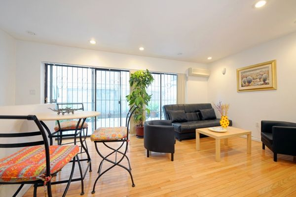 New York City, United States of America Vacation Rental, 1 bed, 1 bath, kitchen with WIFI in Manhattan, Midtown. Thousands of photos and unbiased customer reviews, Enjoy a great New York City apartment rental perfect for your next holiday. Book online!