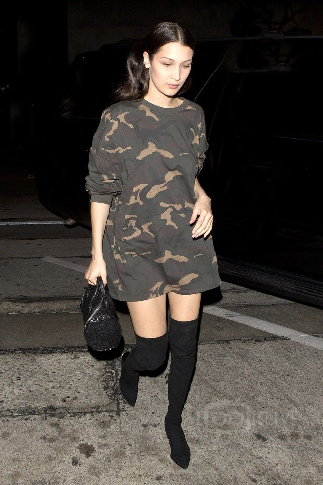 Bella Hadid - Went out for dinner with The Weeknd at Craigs restaurant