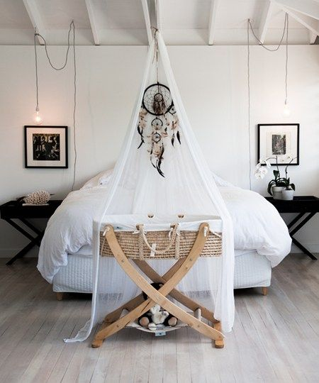 Beautiful idea #nursery #decor #dreamcatcher