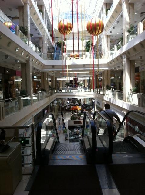 Inside Russian shopping mall (2012)