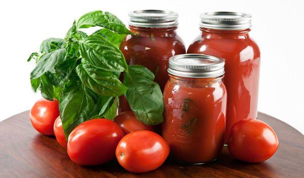 Stefano's Italian Tomato Purée | In the Kitchen with Stefano Faita
