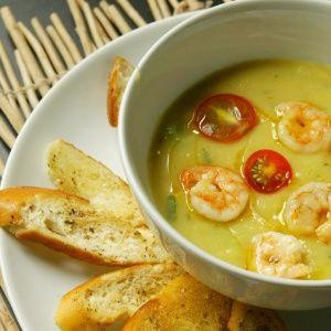 Sopa de Mandioquinha com Camarão, Tomate e Aipo