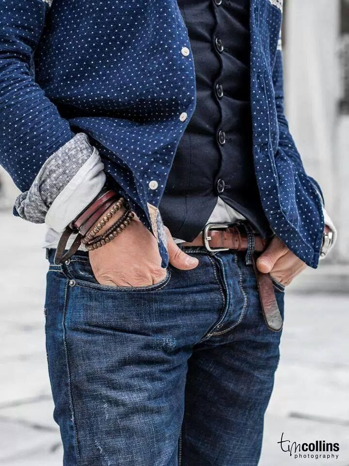 Waistcoat For Men- Learn How To Make The Most Of This Look | http://fashion.ekstrax.com/2015/01/waistcoat-men-learn-make-look.html
