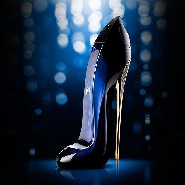 عطر كارولينا هيريرا جود جيرل هو عطر جديد مليء بالحيوية والإحساس من العلامة التجارية الشهيرة ك Good Girl Perfume Perfume Photography Carolina Herrera Perfume