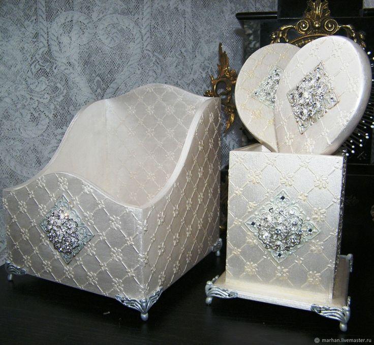 Купить Будуарный набор Констанца. Расческа зеркальце подставка короб. - белый, жемчужный, будуарный набор
