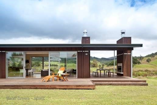 2010 - Whangapoua House designed by Geoff Brown of Mercury Bay Design Ltd #chimney #adnz #stunningviews