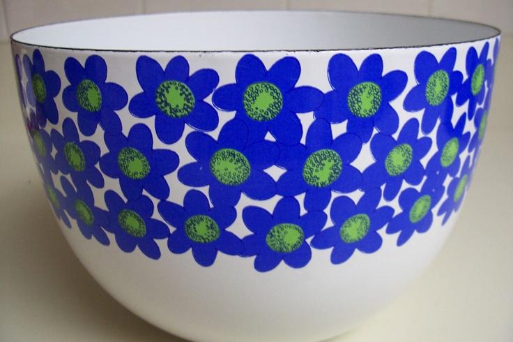 Arabia Finel Finland, Sinivuokko, Designer Esteri Tomula and bowl Kaj Franck... beautiful...
